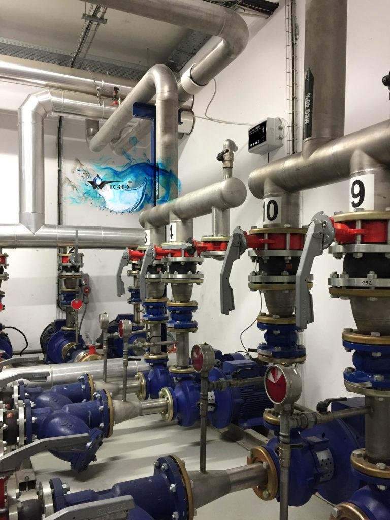 przemyslowe_urzadzenie_do_zmiekczania_wody_dokamieniania_impulsowa_technologia_zabezpieczenia_przed_kamieniem_kotlowym_jak_zabezpieczyc_instalacje_